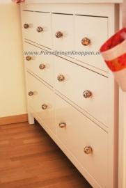 Klantfoto Het kastje van Claire met porseleinen knop