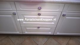 Keuken met boerenbont kastknoppen
