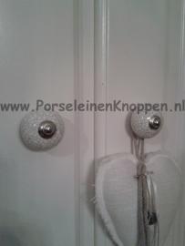 Klantfoto Mirella`s kast met porseleinen deurknopje 35