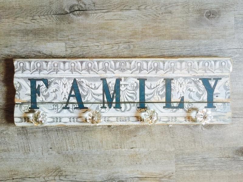 Kapstokhaak 'FAMILY' met glazen knoppen