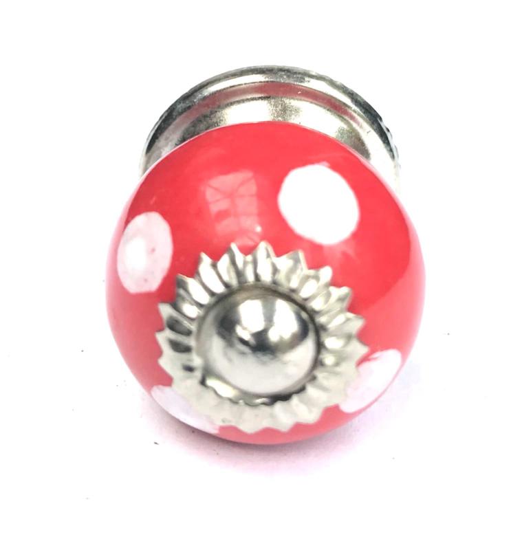 Rood kastknopje, Polka kastknopjes rood