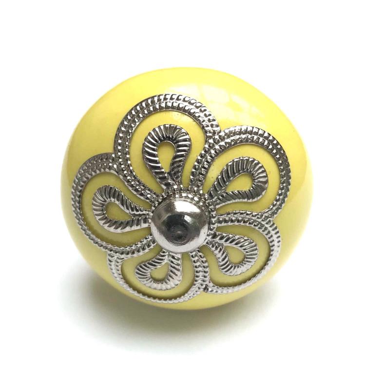 Gele kastknop, deurknop geel