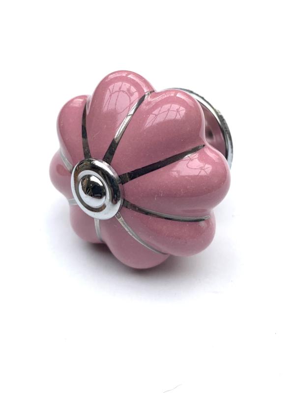 Roze porseleinen kastknop
