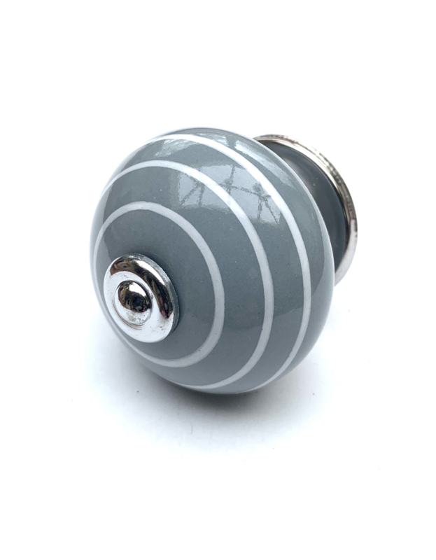 Grijze kastknop met witte strepen