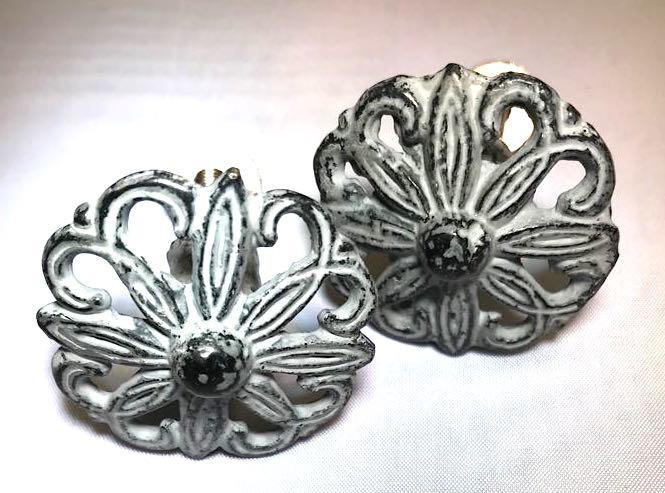 Metalen greywash brocante flower
