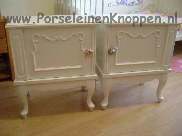 Klantfoto Schattige nachtkastje en prinsessenstoelen