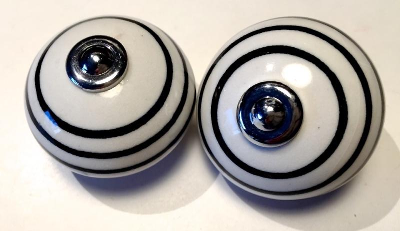 Porseleinen kastknop Wit met zwarte strepen