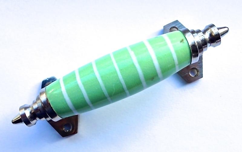 Groen met Wit, Kastgreep met strepen 'Bolke'