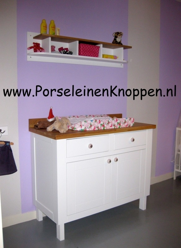 Klantfoto Zelfgemaakte kast met porseleinen kastknop door Opa Guus
