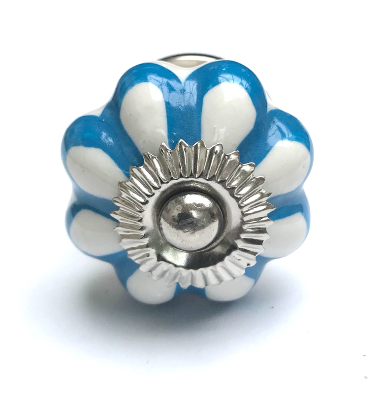 Witte blauwe kastknop, kastknop blauw