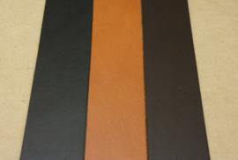 Strook tuigleer gekleurd 55cm, breedte 1,5cm