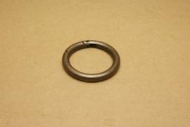 Musqueton Ring oud goud, binnenmaat 40 mm