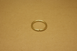 Ring ongelast goud 30 mm