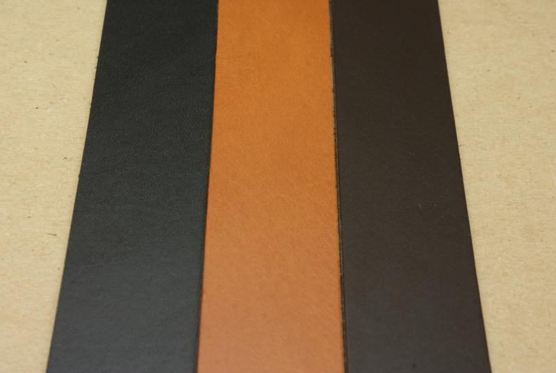 Strook tuigleer gekleurd 120cm, breedte 2cm