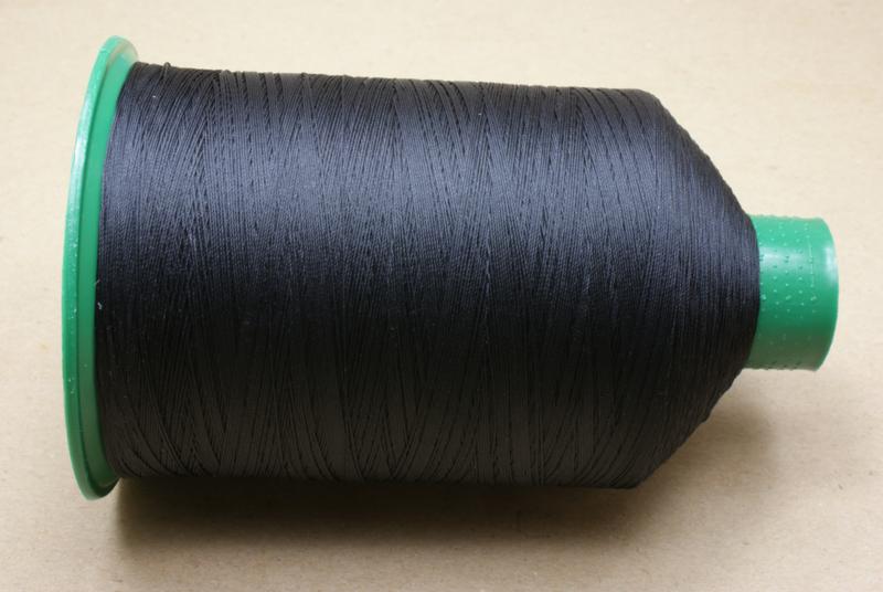 Garen 40 Kleur Black 1122