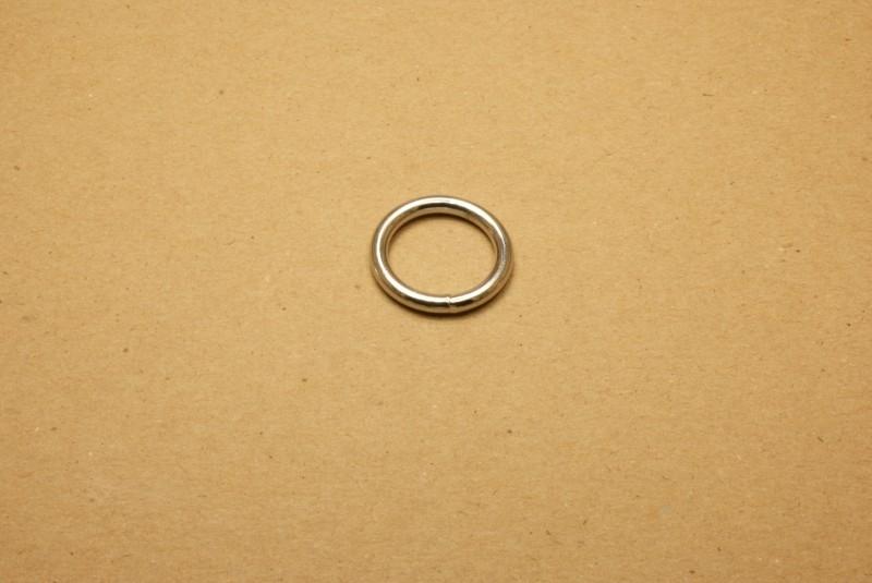 Ring gelast nikkel 20 mm