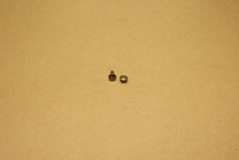 Holnieten dubbele kop oud nikkel 33/10 (100)