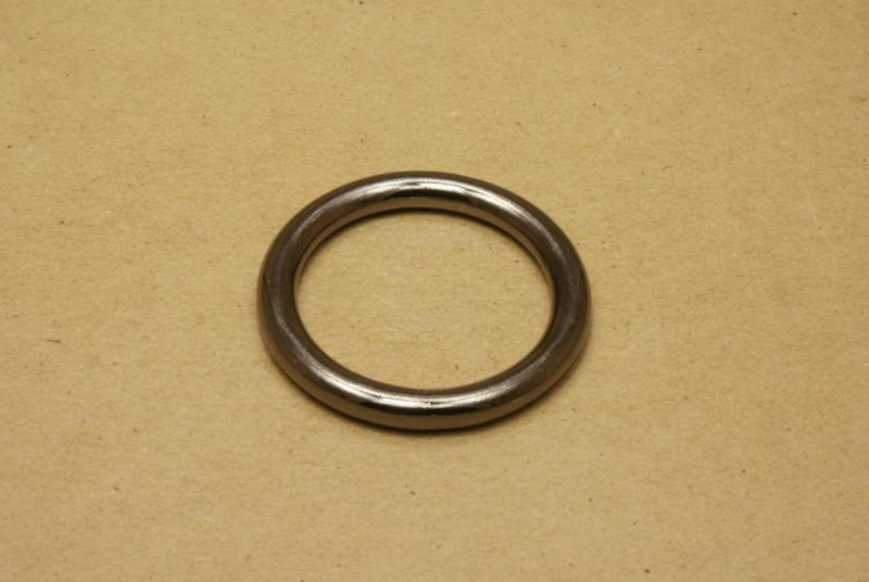 Ring gelast gun metal 40 mm **Nieuw**