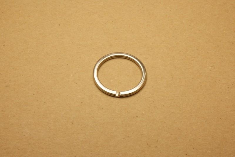 Sleutelring plat nikkel 30 mm