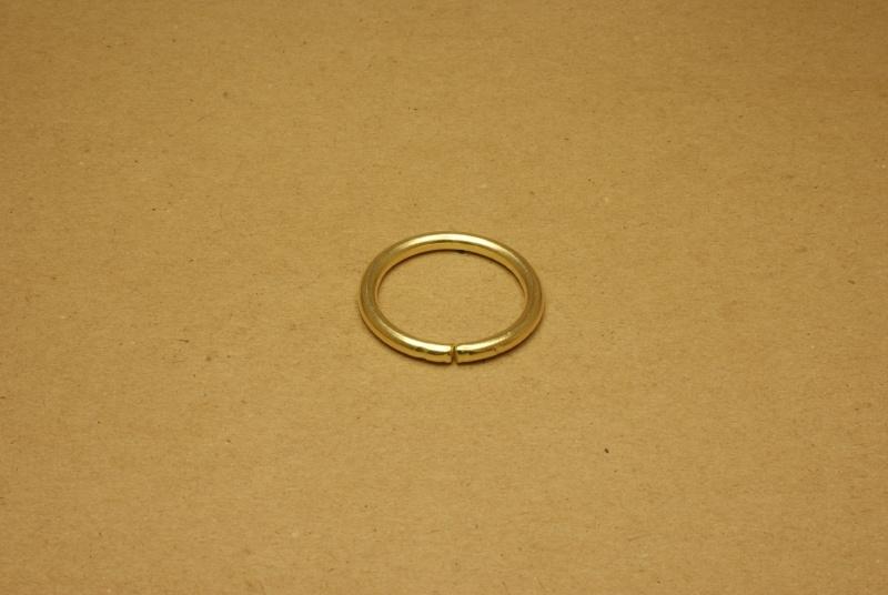 Ring ongelast goud 30 mm