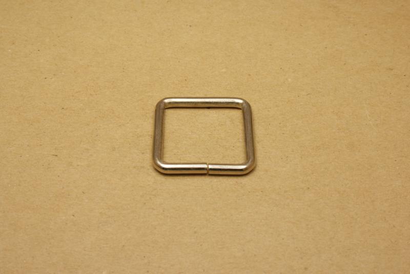 Ring vierkant ongelast 30mm nikkel