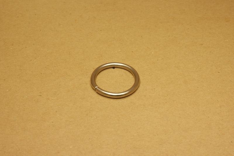 Ring ongelast nikkel 30 mm