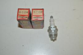 Champion Bougie 8-COM 18 mm