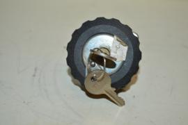 Benzinedop met sleutel burg