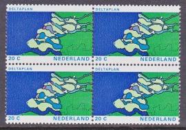 Plaatfout 1002 PM6  in blok van 4 Postfris    E-6022