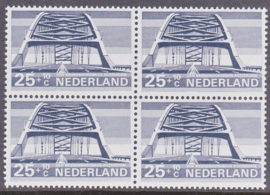 Plaatfout  904 PM  Postfris in blok van 4 Cataloguswaarde 20.00   E-1024