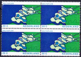 Plaatfout  1002 PM1  Postfris in blok van 4  Cataloguswaarde 12,00