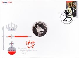 Gelegenheids enveloppe met penning tbv Zilveren regerings jubileum 2005