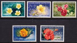 NVPH  248-252 Kinderpostzegels 1955 '' bloemen'' Postfris cataloguswaarde: 28.50  E-0691