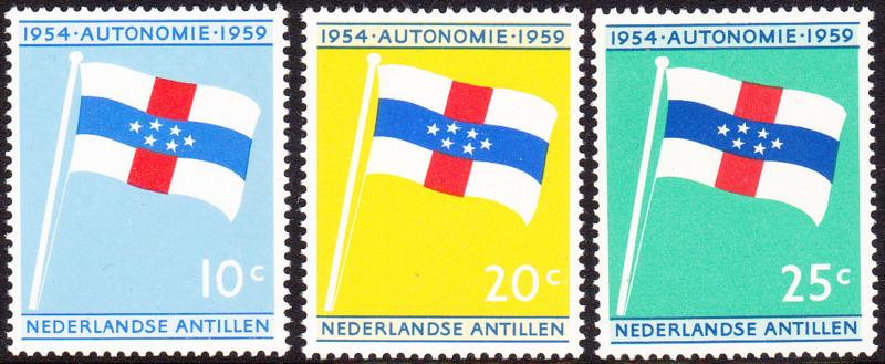 NVPH  304-306 ''5 jaar Statuut voor het Koninkrijk'' 1959  Postfris cataloguswaarde: 1,80