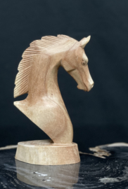 Paardenhoofd van hout , hoogte 20 cm