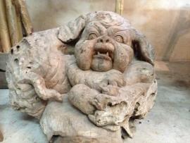 Teak Sculpture Hond