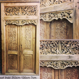 Teak carving poort Bali