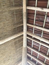 Rondhoutschuur Bali stijl