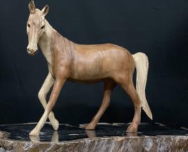 Houtsnijwerk paard suar hout, 32cm