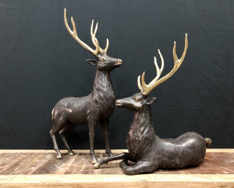 Hert brons legering 43 cm breed 64 cm hoog