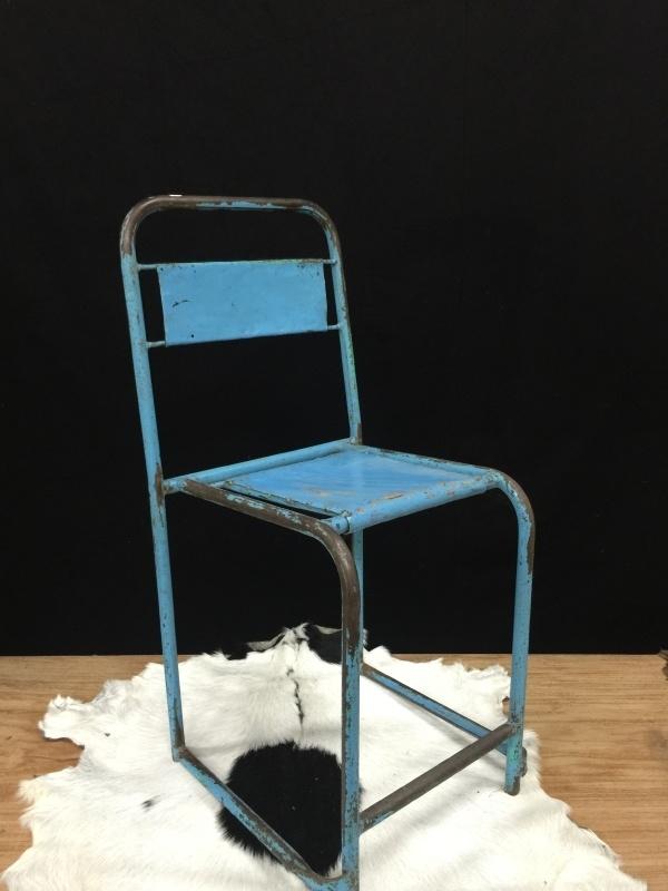 Iron chairs / stoel industrieel , blauw.