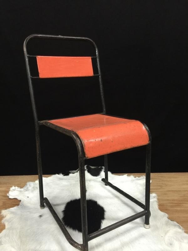 Iron chairs / stoel industrieel, oranje