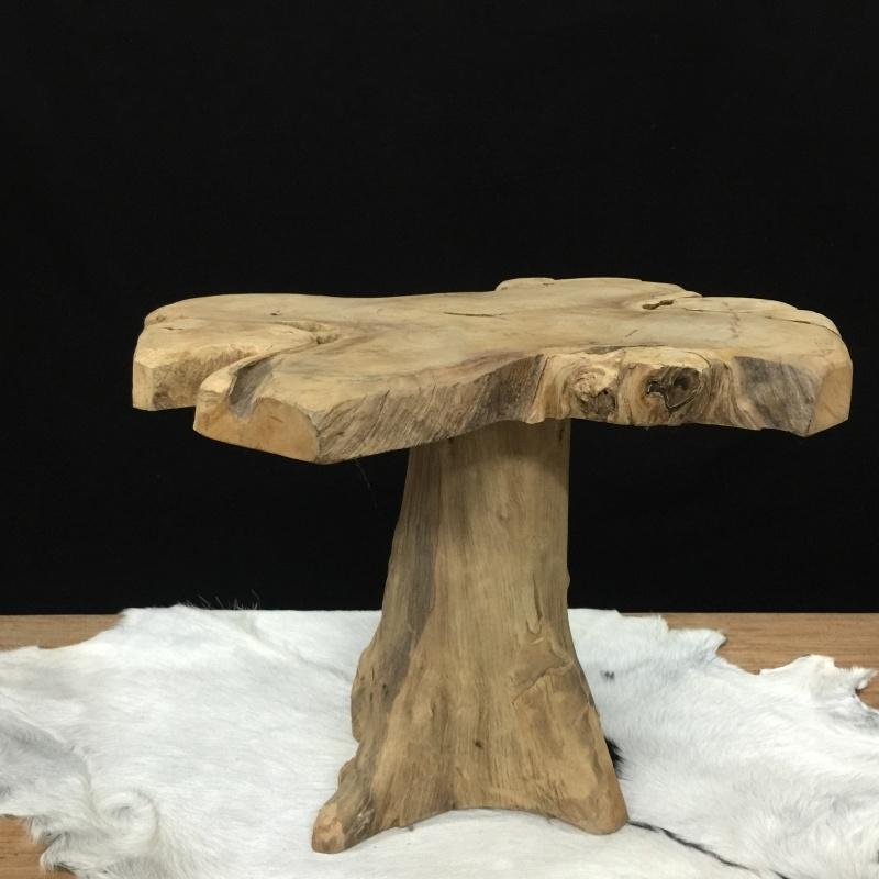 Tafel wortelteak, 50cm hoog.