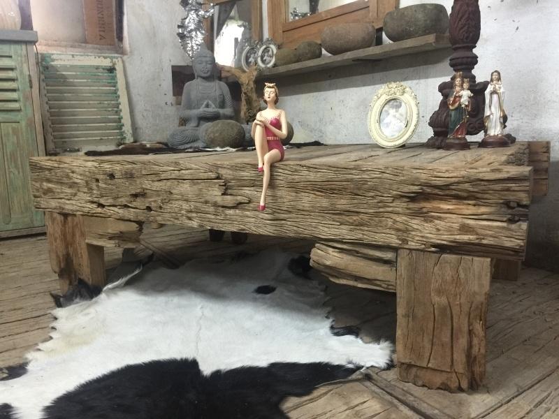 Salon tafel robuust, 150cm lang, 90cm breed ,48cm hoog.
