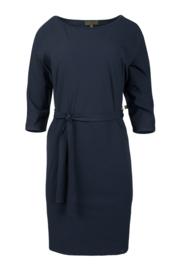 Sjiek jurkje met ceintuur by ZUSSS Nachtblauw