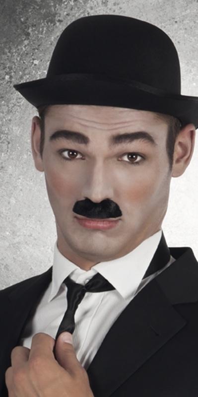 Charly Chaplin snor