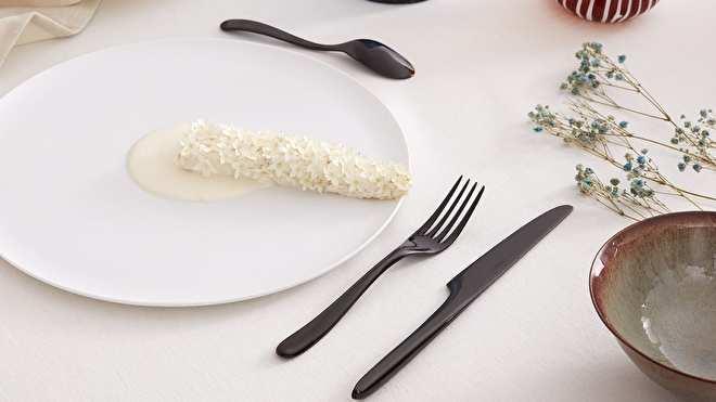 L'Ame de Chistofle Black op tafel