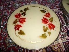 Oud Taartplateau met rode tulpen-glasplaat