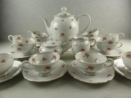 Koffieservies Bareuther Barok met roze/rode roosjes
