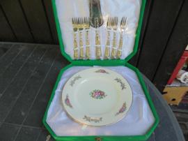 Gebakset betaande uit Gebakschaal met gebakschep en 6 vorkjes in originele doos
